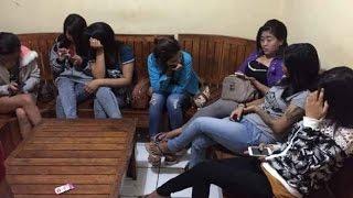 Video Pengakuan Para Gadis ABG yang Mau  Main  Sama Om Om,  Lebih Enak Punya om om dari Pada Pacar download MP3, 3GP, MP4, WEBM, AVI, FLV Juni 2017