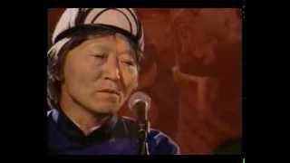Repeat youtube video Canción para Medellín (Galsan Tschinag, Mongolia)