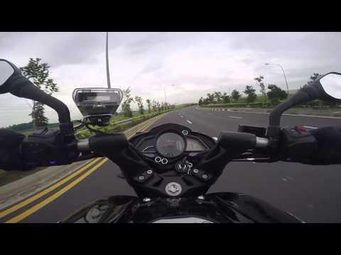 Bajaj Pulsar 200 NS (Fuel Injection) - Riding In Singapore (Break-in Period)
