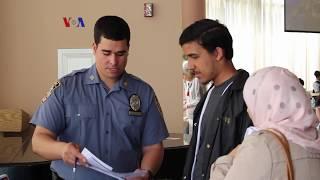 Pengenalan Karir Penegak Hukum bagi Remaja Muslim AS