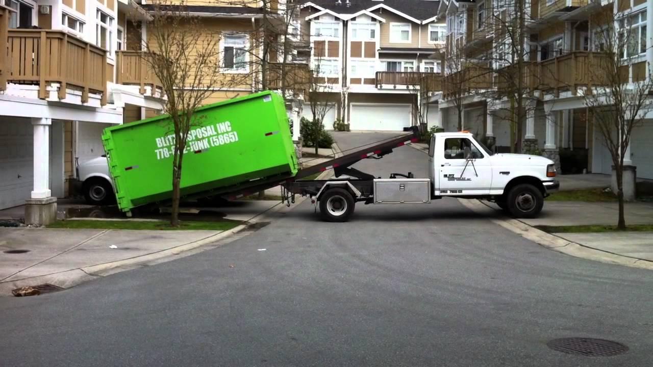 Blitz Disposal F450 Roll Off Truck Loading 20 Yarder Youtube