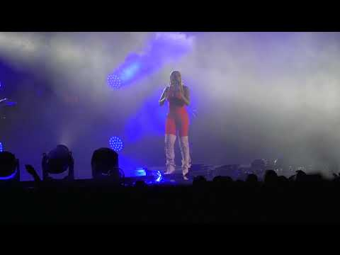 """ESSENCE FEST: Mary J. Blige Performs """"Only Love"""" & """"Just Fine"""" Live"""