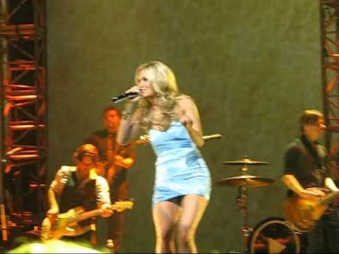 Carrie Underwood - Meet The Band And Last Name - State College