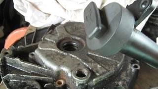vidange moteur tondeuse briggs et stratton..outil pour vidange briggs et stratton