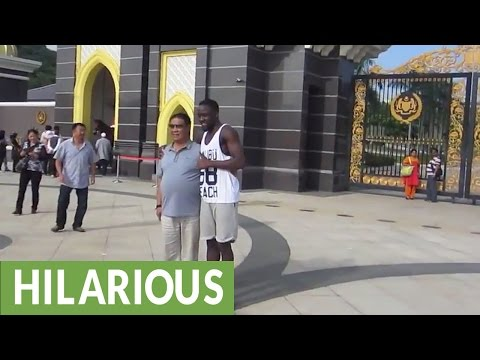 Malaysian tourists treat foreigners like celebrities