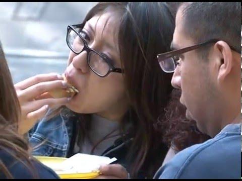 Comer fuera de casa youtube for Videos fuera de youtube