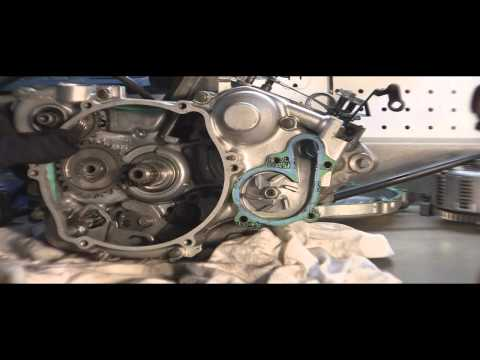 YZ125 Tear Down Part 4: Removing  2 Stroke Kickstarter, Side Case And Water Pump Cover