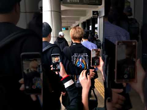 23/04/61 MXM At Gimpo airport atfer FM in Osaka (1)