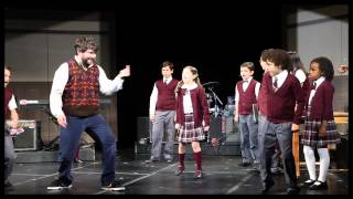 Alex Brightman & the Cast Sing