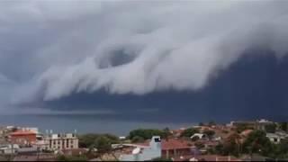 Mengerikan Awan Tsunami di Sydney Hebohkan Warga Australia