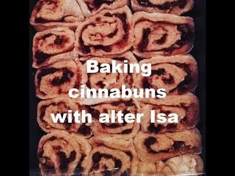 Alter Isa bakes... cinnabuns / cinnemon rolls - how to - Taste test by our host Amatist