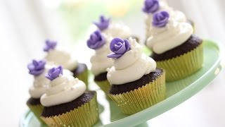 Beth's Chocolate Cupcakes With Easy Fondant Roses