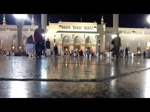 Азан в Медине. На земле есть невесомость)