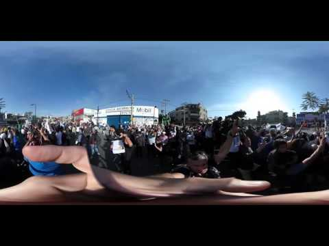 Feel the excitement of seeing Pope Francis in 360 degrees