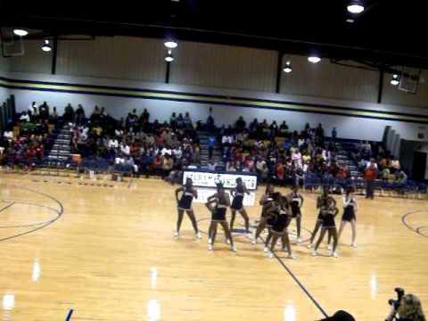 2010-2011 PHS Basketball Cheerleaders Perform An O...