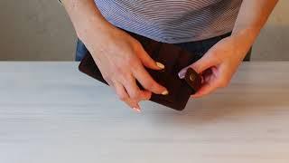 видео Мужской кошелек с хлястиком на кнопке из кожи ската