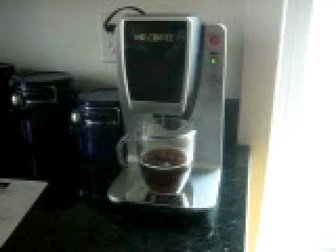 Mr Coffee Bvmc Kg1 Single Serve Brewing System K Cup Brewer Youtube