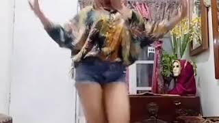 Video Vshow Anyong Dance by Navacamillia (VSHOW) download MP3, 3GP, MP4, WEBM, AVI, FLV November 2019