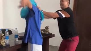 Hai Troll Tren Duong Pho Clip Hai Huoc P1