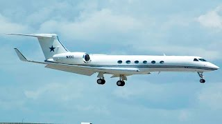 Buffalo Niagara Int'l Airport: Jerry Jones Private Plane