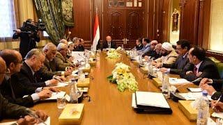 الحكومة اليمنية تطالب بسقف زمني لمشاورات الكويت