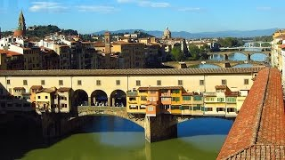 Visit Italy Florence (Firenze) things to do in Italy Holidays. The Ponte Vecchio, Arno river.