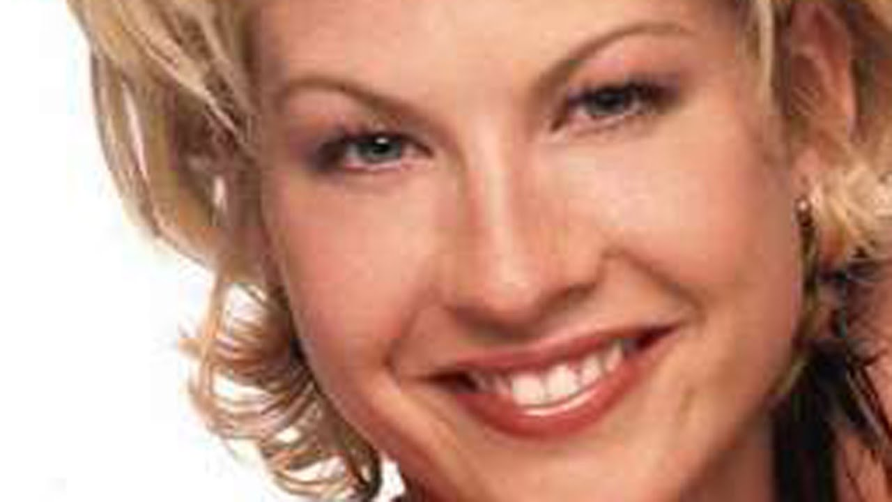 Why Hollywood Wont Cast Jenna Elfman Anymore