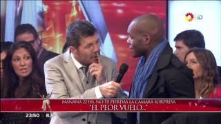 PELUCHE, JOHN ROMERO Y VICKY XIPOLITAKIS EN SHOWMATCH HD