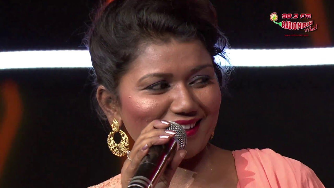 Vaishali Mhade At The Royal Stag Mirchi Music Awards - YouTube
