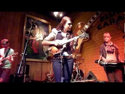 Larkin Poe - Play On / Bleeding Heart (Jimi Hendrix Cover)