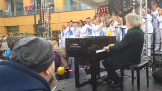 Benny Andersson - Thank You For The Music (with the ABBA Museum Choir)
