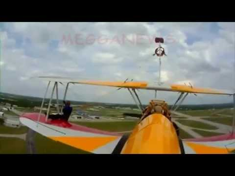 Pilot, wing walker die in crash at Ohio air show