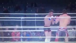 شاهد.. ملاكم روسي يسقط خصمه في 15 ثانية