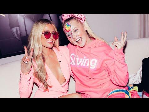 Jojo Siwa explores Paris Hilton's closet