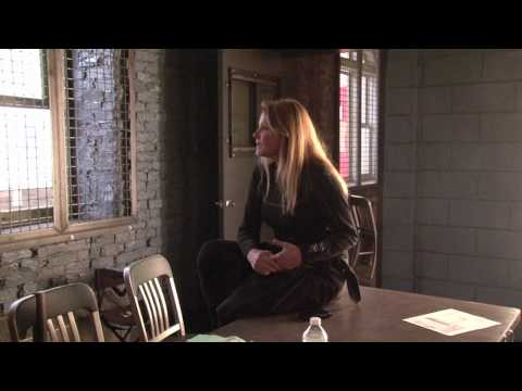 """Helen Shaver discusses directing the Law & Order SVU episode titled """"Gray"""""""