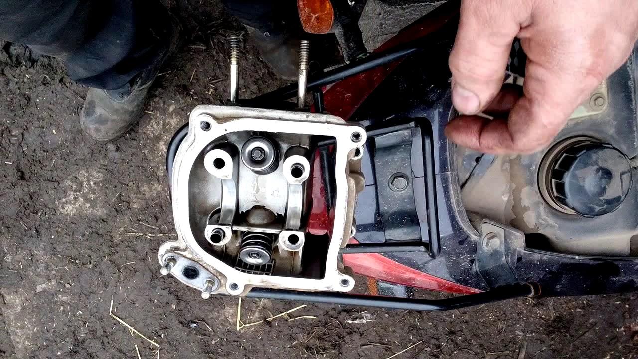 Инструкция по притирки клапанов скутера барракуда видео