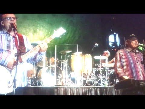 Beach Boys 2/10/18: Intro/Surfin' Safari - Orlando, FL 8:30pm