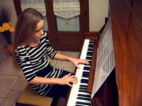 lauryne au piano vous interprete comme des enfants de coeur de pirate avi youtube. Black Bedroom Furniture Sets. Home Design Ideas