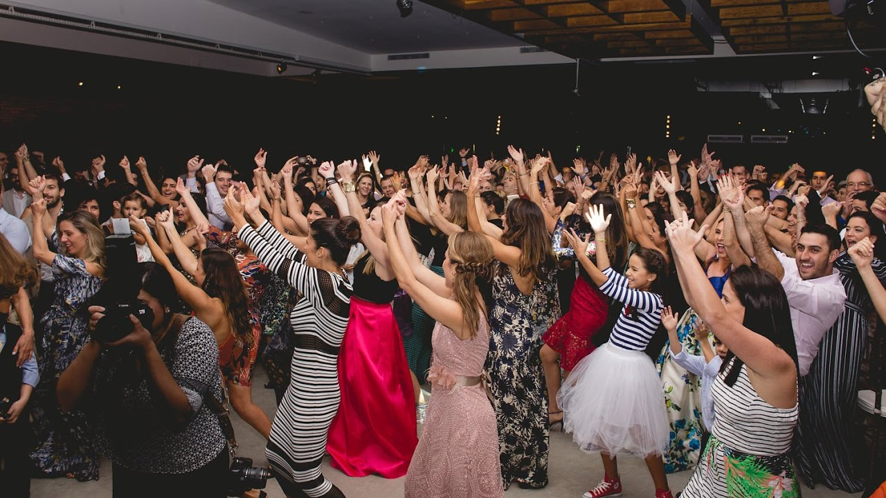 Flashmob for the wedding: the best ideas