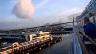 サンペドロ港入港とロス市内観光.wmv