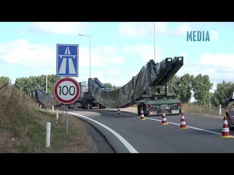 Uitzonderlijk transport staat muurvast toerit A15 Rozenburg-Rotterdam