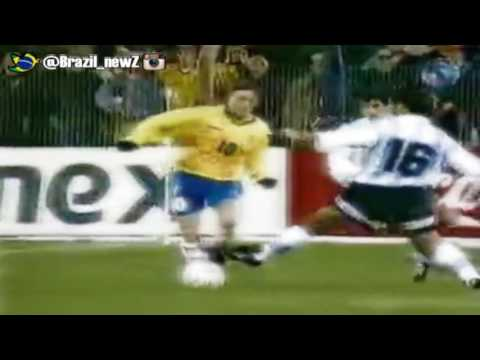 Juninho humiliates Argentina and Zanetti - dribbles and No-Look assist