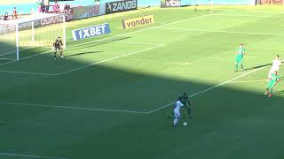 Com falha de zagueiro e gol contra, Goiás perde para o Figueirense