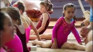 Гимнастика. Соревнования Девочки(Гимнастика. Соревнования Девочки. Девочки гимнастки в возрасте от 6 до 18 лет соревновались за спортивные..., 2015-10-18T16:25:54.000Z)