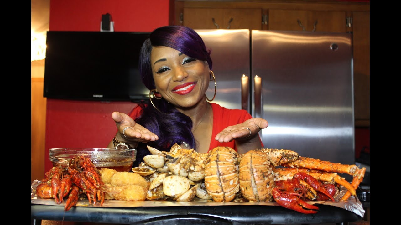 Seafood Boil #7⚠ Smacking Noises/Messy Eating/Crawfish/Clams/King Crab/Lobster/Shrimp/ - YouTube