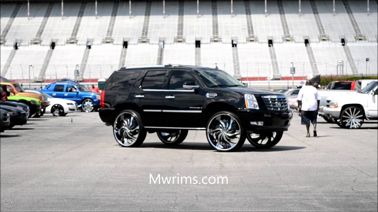Cadillac Escalade On 32 Quot Starr Rims Stunt Fest 2015
