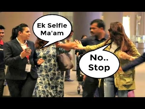 Kareena Kapoor Behave Rudely With Fan On Airport