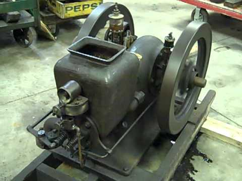 2 1 2 hp ih mogul hit miss gas engine youtube for 1 2 hp motor