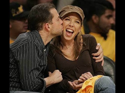 Two and a Half MenJon cryer Kissing wife Lisa joyner  Behind the s