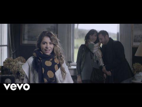 Клип Julie Zenatti - Les amis